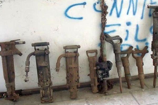 Saint-Florent-sur-Auzonnet (Gard) - une photo de quelques outils qui ont été volés - archives