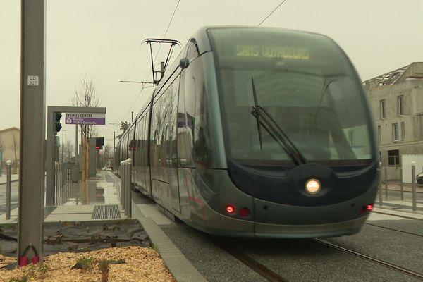 Le tram D en test sur l'extension jusqu'à Eysines, terminus à partir du 29 février.