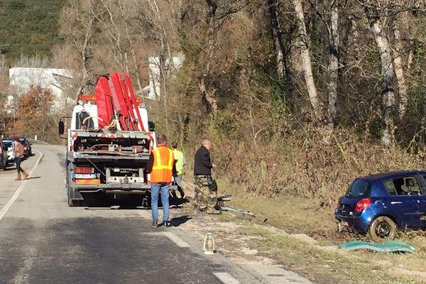 02/12/2019 - Au lendemain de violentes intempéries dans le Sud-Est, une voiture a été retrouvée dans une rivière, dans les Alpes-de-Haute-Provence.
