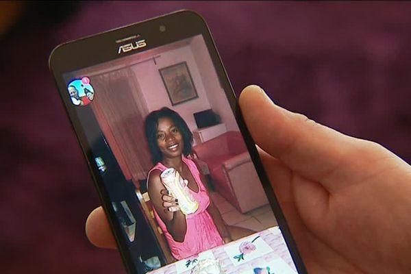 Une jeune femme malgache retenue administrativement depuis une semaine avec son enfant.