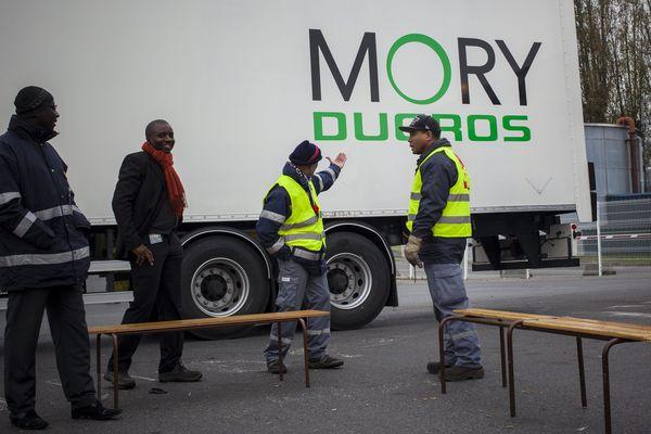 Des salariés de Mory Ducros bloquent l'une des 85 agences du groupe de transports