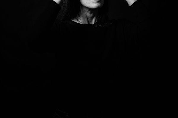 Bertrand Béchard, pose un oeil noir et radical sur ses modèles nantais.