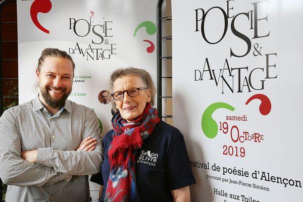Rémi David, directeur artistique du festival et Monique Cabasson, Présidente de l'association du Salon du livre d'Alençon. L'an dernier, alors qu'ils s'attendaient à recevoir 500 personnes, ils ont accueilli 2000 visiteurs.