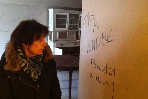 Béatrice Lamisse constate le saccage de sa maison par des zadistes