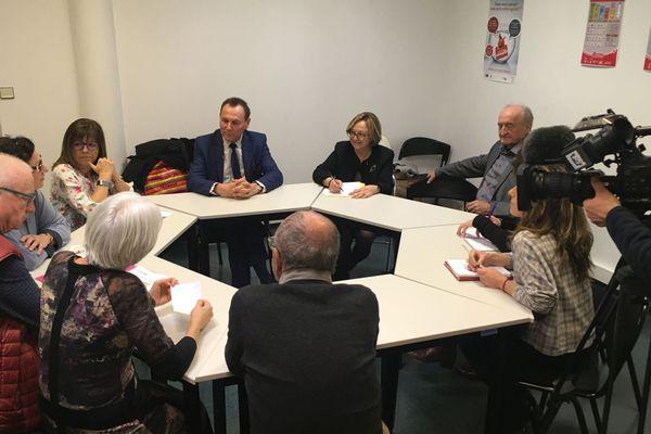 Face à un difficile parcours de soins, la première Communauté Professionnelle Territoritoriale de Santé (CPST) a été constituée dans le Pays d'Arles.
