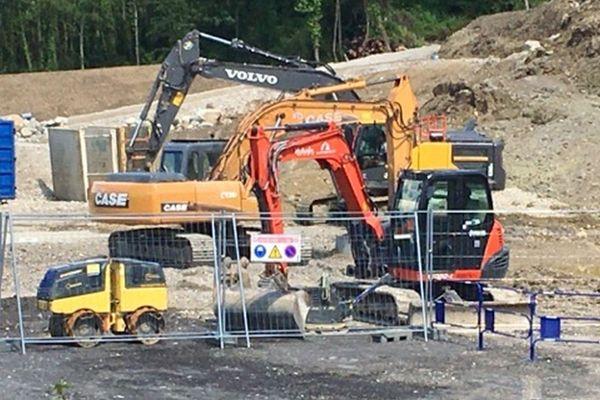 Un chantier était en cours au bas du coteau lorsque le glissement de terrain s'est produit