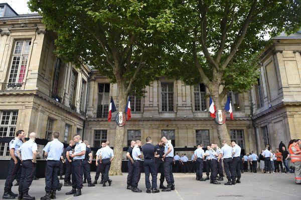 Le traditionnel bal des pompiers n'aura pas lieu le 14 juillet 2021 à Paris et en petite couronne.