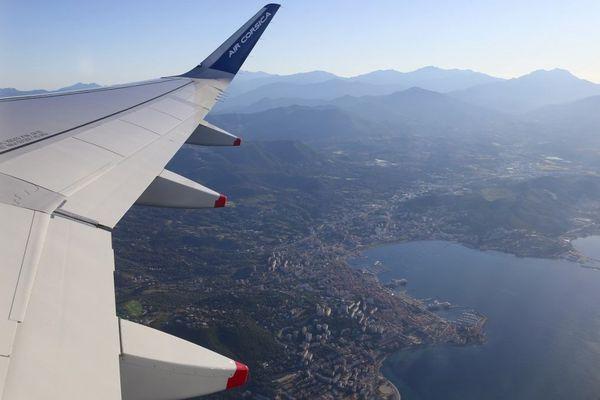 Un avion devant relier Ajaccio à Marseille a été frappé par la foudre 15 minutes après son décollage ce jeudi 15 octobre.