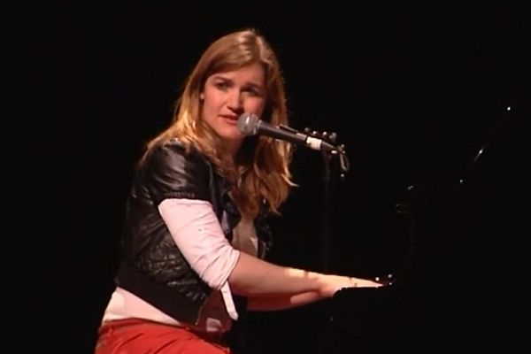 Liz Van Deuq en concert pour les 25 ans du Festival « L'air du Temps » de Lignères