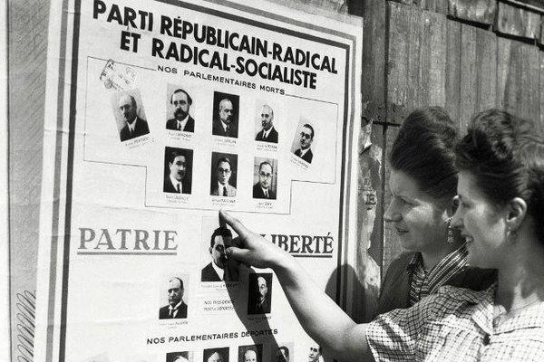 Les Françaises ont voté pour la première fois lors du premier tour des élections municipales le 29 avril 1945.