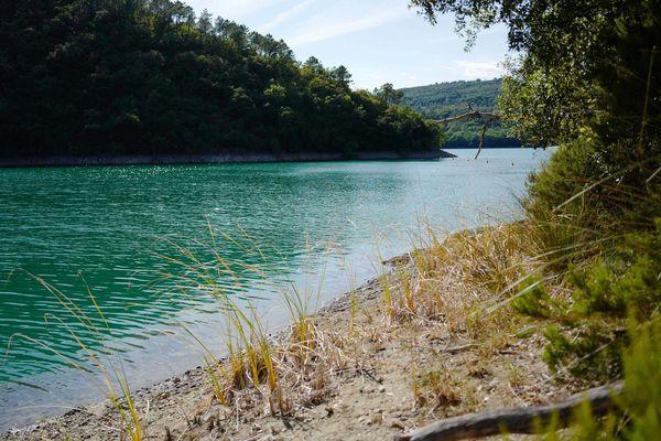 Lac de Saint-Cassien - un jeune homme a été retrouvé mort ce midi - octobre 2019