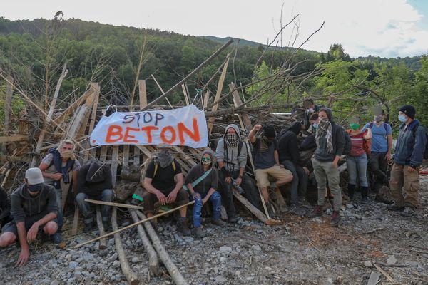 La préfecture a accepté d'entendre les militants grâce à l'installation éclair d'une Zad le week-end du 13 juin.