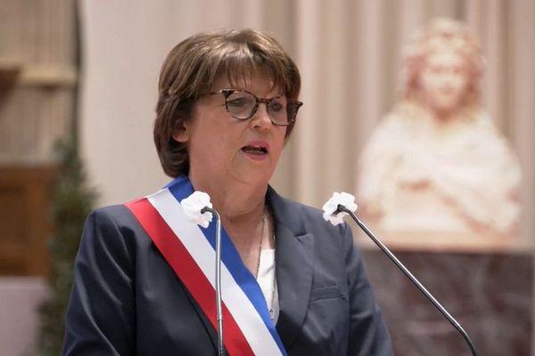 Martine Aubry a été réélue maire de Lille avec 43 voix sur 61. Les 12 conseillers municipaux verts ont voté pour Stéphane Baly tandis que les 6 conseillers de Violette Spillebout ont voté blanc.