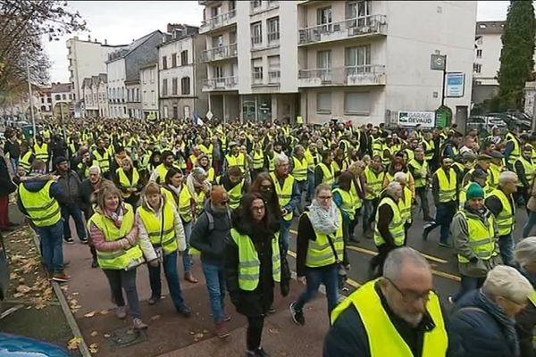 Les Gilets jaunes manifestent à Limoges le 24/11/2018