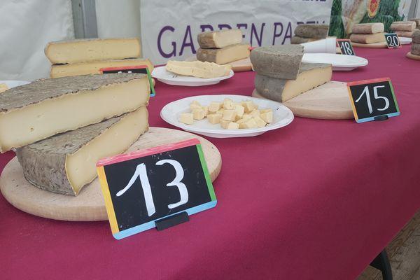 Le concours officiel du fromage Saint-Nectaire est la référence pour les membres de la filière mais aussi pour les consommateurs.