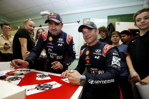 Monaco, janvier 2020 - Sébastien Loeb et Daniel Elena sont venus répondre aux questions posées par les élèves du collège Charles III de Monaco, ancien établissement du co-pilote à gauche sur la photo.
