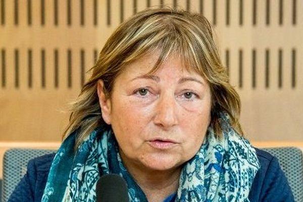La maire (LR) de Calais Natacha Bouchart lors d'une conférence de presse le 27 mars à Calais.