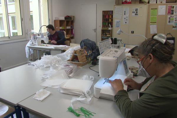 Un atelier d'insertion de Confolens fabrique des masques de protection