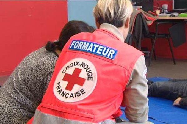 La Croix Rouge a doublé ses formations depuis les attentats de Paris