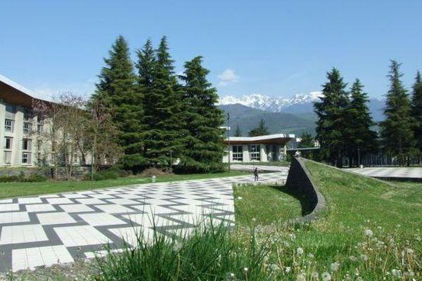 Sur le Campus de Grenoble - ARCHIVES