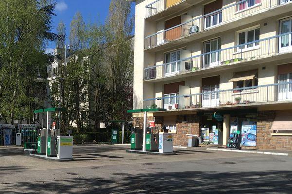 Même si la vente de gaz a augmenté, ça ne compense pas la chute des ventes de carburants dans cette station service de Nantes.