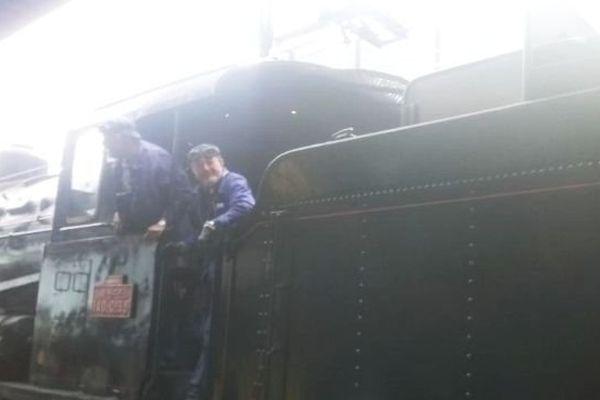 Locomotive à vapeur en gare de Limoges Bénédictins