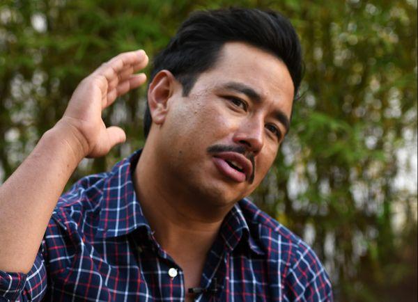 """Nirmal Purja, alpiniste népalais, veut """"rendre l'impossible possible"""" en gravissant les 14 sommets de plus de 8.000 mètres d'altitude en seulement sept mois."""