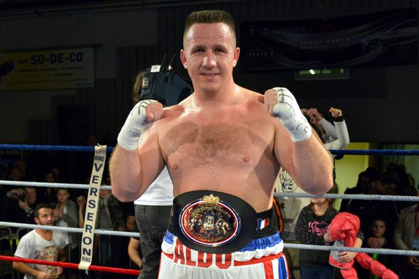 Cyril Léonet - alias Aldo - n'a pas réussi à conserver, pour la 6e fois, sa ceinture chez les poids-lourds.