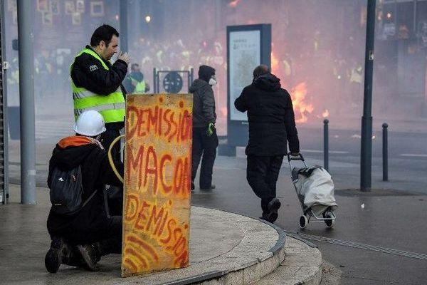 La manifestation des Gilets jaunes avait été émaillé d'incidents le 19 janvier, ce que déplorent les Foulards rouges.