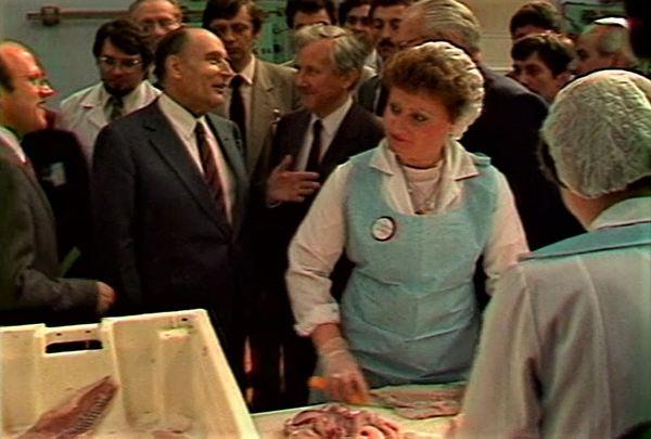 En 1983, François Mitterrand visite la zone de pêche de Capécure, à Boulogne-sur-Mer, en compagnie Guy Lengagne, son Secrétaire d'État à la mer, et ancien maire de la ville.