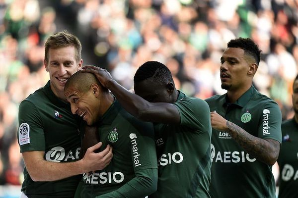 Asse / Rennes (Ligue 1 - 10 ème journée du championnat de France) - 21/10/2018. Wahbi Khazri transforme le penalty - stade G Guichard à St Etienne.
