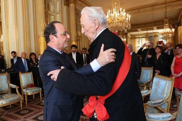François Hollande a décoré Pierre Soulages