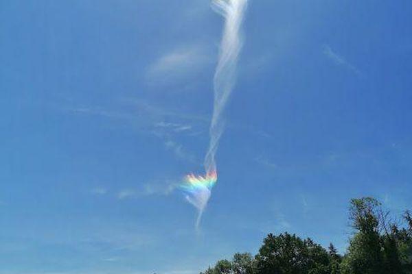 Le nuage arc-en-ciel a laissé de grandes trainées dans le ciel ce vendredi 28 mai.