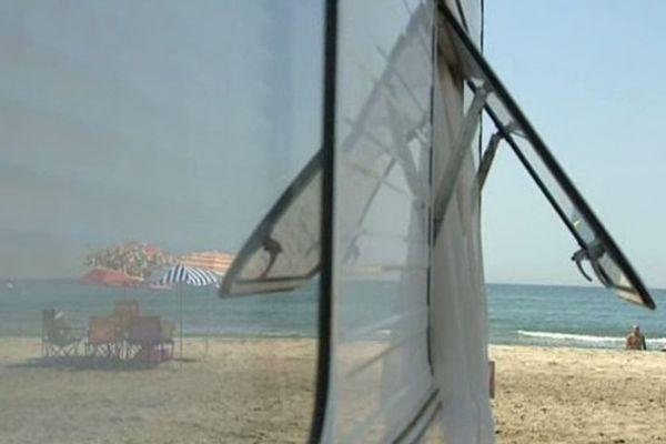 Chaque été, quelque 5000 campeurs séjournent sur la plage de Piemanson, en Camargue