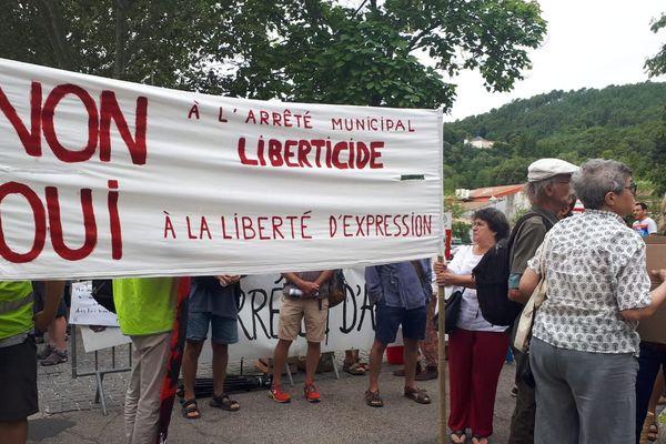 Les associations vent debout contre l'interdiction de tracter en centre-ville de Saint-Jean-du Gard  - 13/08/2019