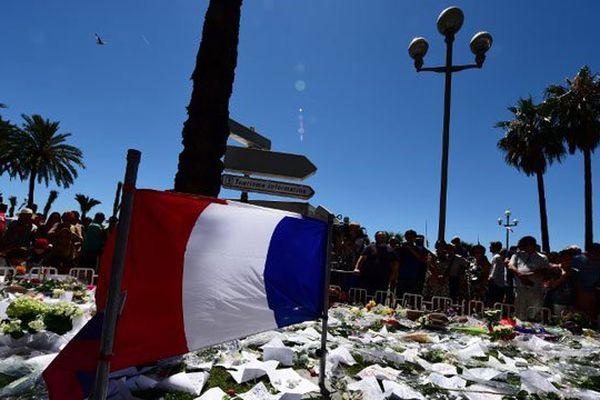 Le mémorial en hommage aux victimes sur la Promenade des Anglais à Nice