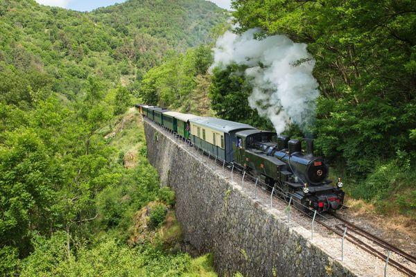 Le Mastrou, train à vapeur touristique en Ardèche