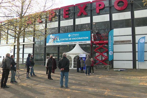 Le parc des expositions Alpexpo, à Grenoble, a été transformé en centre de vaccination géant.