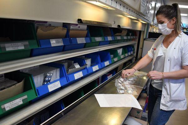 La logistique des médicaments est fondamentale, il faut approvisionner les services et éviter la pénurie.