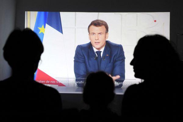 Les annonces du président de la République ce lundi 31 mars : fermeture des crèches, des écoles, des collèges et des lycées dès la semaine prochaine.
