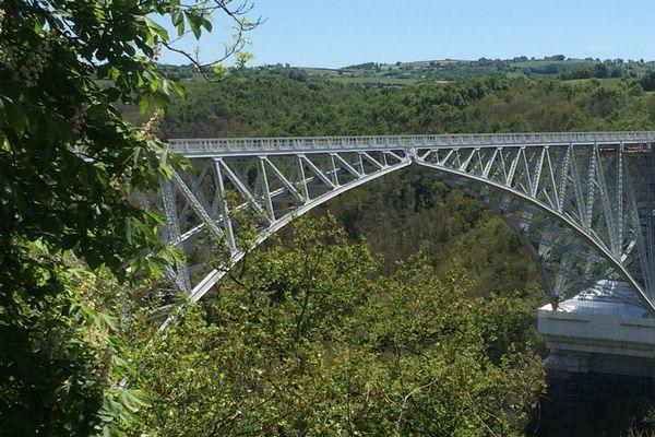 Restauré en 2017, le viaduc du Viaur a été inauguré en 1902.