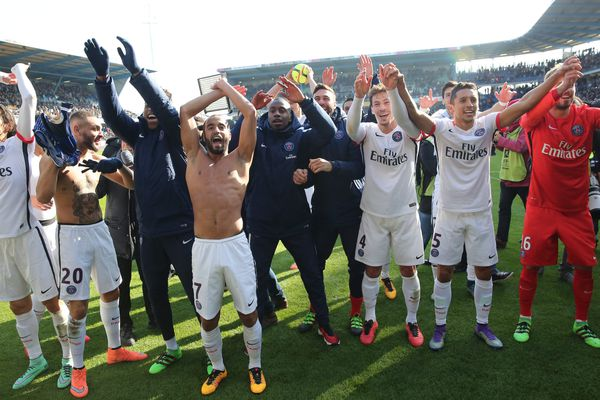 La joie des joueurs du PSG après leur nouveau titre de champion de France, le 13 mars, à Troyes, dans l'Aube.