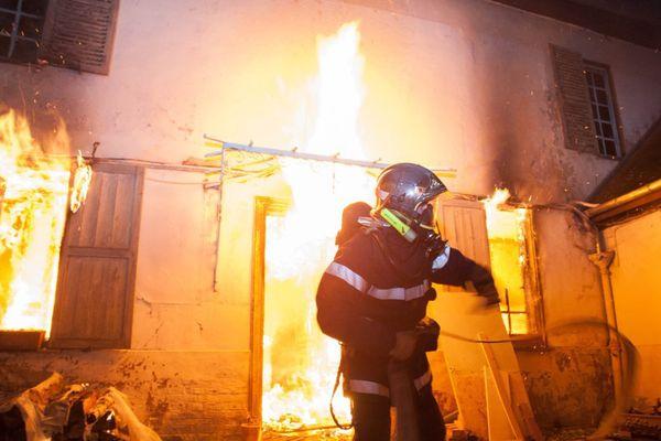 27 sapeurs-pompiers ont été mobilisés pour venir à bout de l'incendie