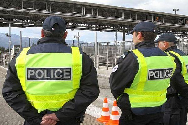 La police à la frontière du Boulou dans les Pyrénées-Orientales - 2013.
