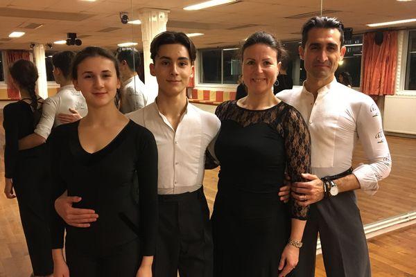 La famille Greif-Ibnouzahir, avec de gauche à droite : Tara, Liam, Birgitt et Tarik.
