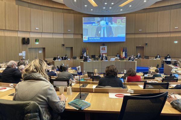 Hervé Morin introduisant l'assemblée du jour et le soutien régional au projet du contournement est