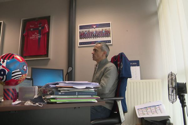 Un moment délicat pour le Directeur Général du Stade Malherbe Caen, lui-même ancien joueur du club.