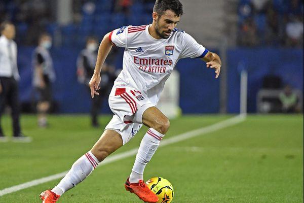 Le défenseur de l'Olympique Lyonnais, testé positif au Covid-19, à l'issue d'un entrainement avec les Bleus à Clairefontaine, le 6 octobre 2020.