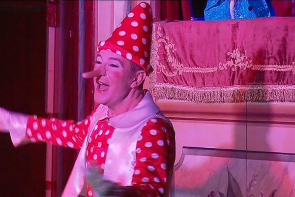 Marcello du circo di Pinocchio en étape à Limoges