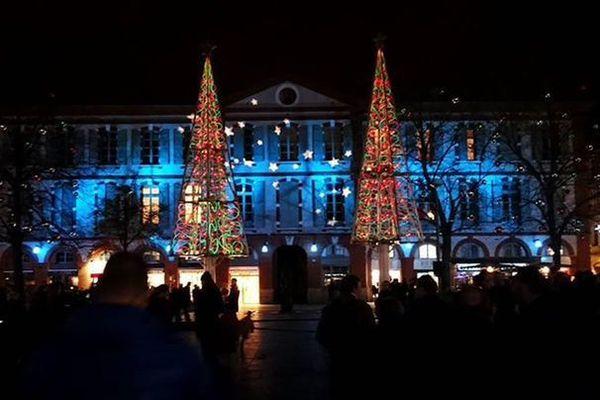 En 2016, les illuminations avaient été lancées plus tôt, à quelques semaines des vacances de fin d'année.